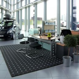Salon Mercedes-Benz, Warszawa